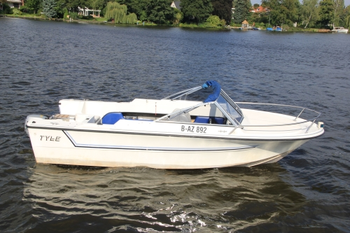 Motorboot Malibu mieten bei Bootsvermietung & Bootsverleih Berlin
