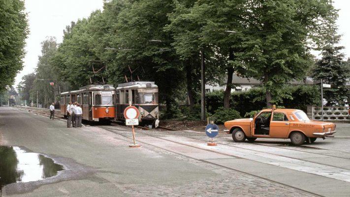 Uferbahn und Werkstattwagen an der Vetschauer Allee